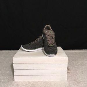 c2d101a92 NWT-Champion C9 Focus 4 Athletic Shoe